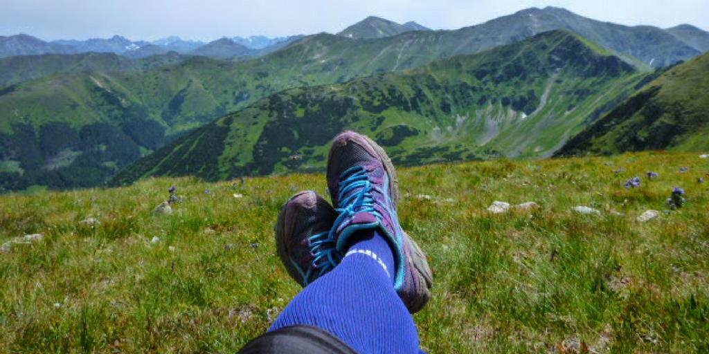 Widok na Tatry i moje buty biegowe